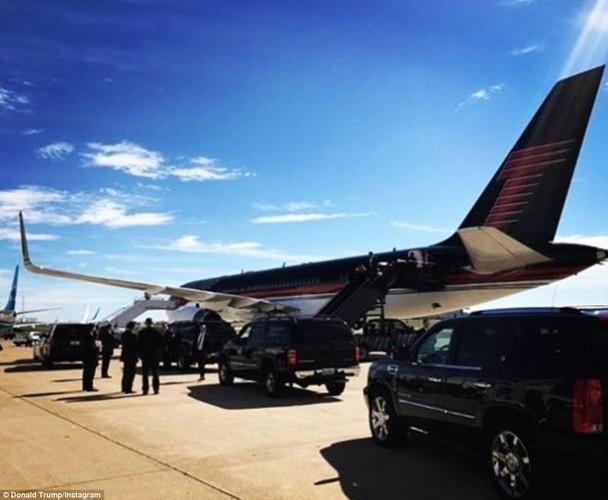 Chum anh ba Clinton, ong Trump truoc cuoc tranh luan lan 2-Hinh-8