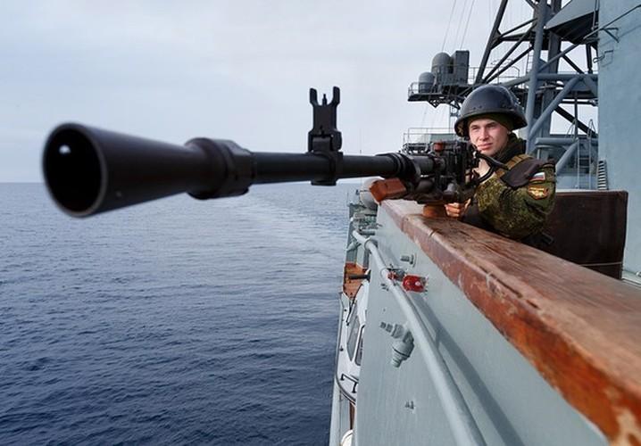 Anh: Tau chien Nga chong phien quan IS o Syria-Hinh-9