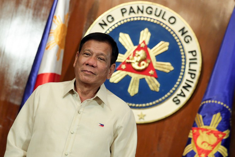 Toan canh 100 ngay dau cua Tong thong Philippines Duterte