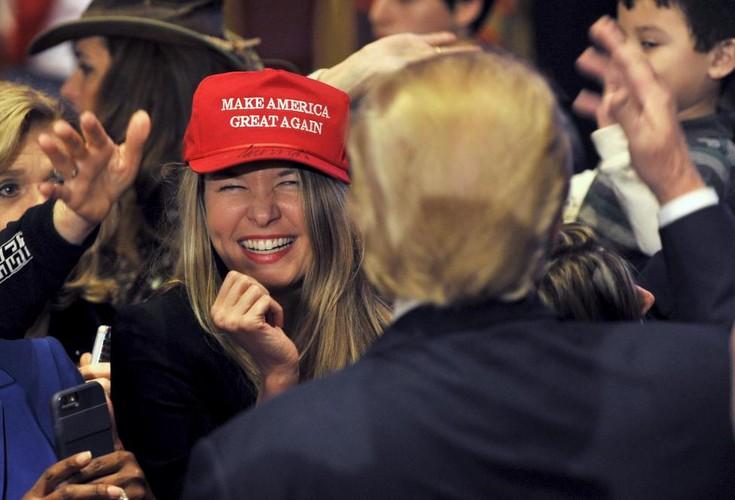 Anh: Nhung nguoi phu nu cuong nhiet ung ho Donald Trump-Hinh-12