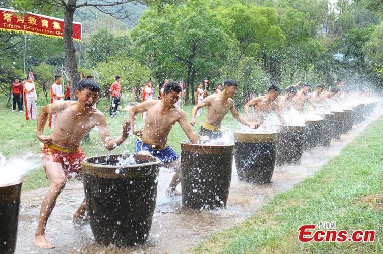 Canh kho luyen cua vo sinh Thieu Lam o Trung Quoc-Hinh-4