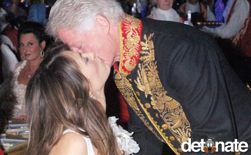 Nhung buc anh ma ba Hillary Clinton muon xoa nhat-Hinh-2