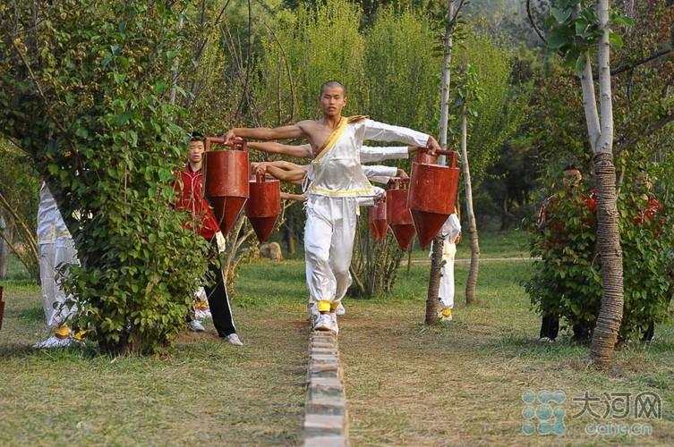 Xem vo sinh Thieu Lam bieu dien tuyet ky cong phu-Hinh-4