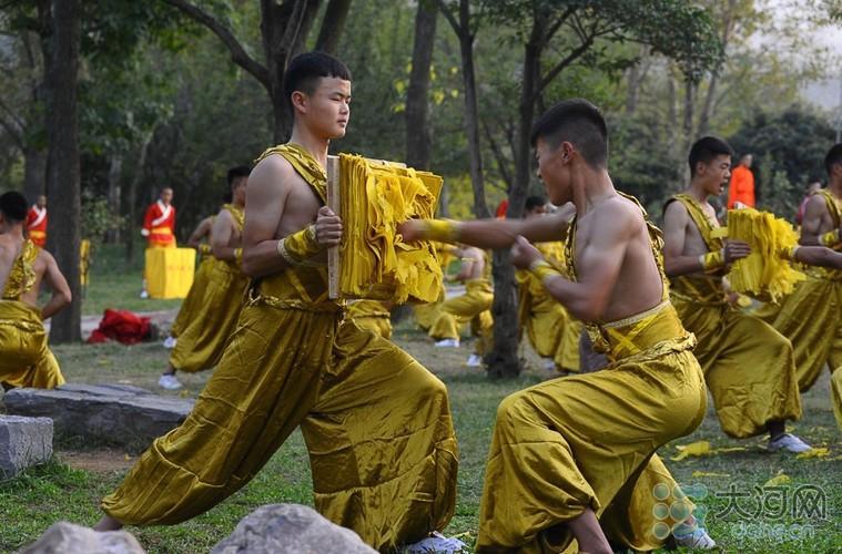 Xem vo sinh Thieu Lam bieu dien tuyet ky cong phu-Hinh-6
