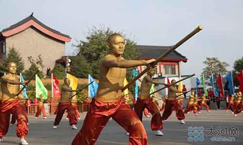 Xem vo sinh Thieu Lam bieu dien tuyet ky cong phu