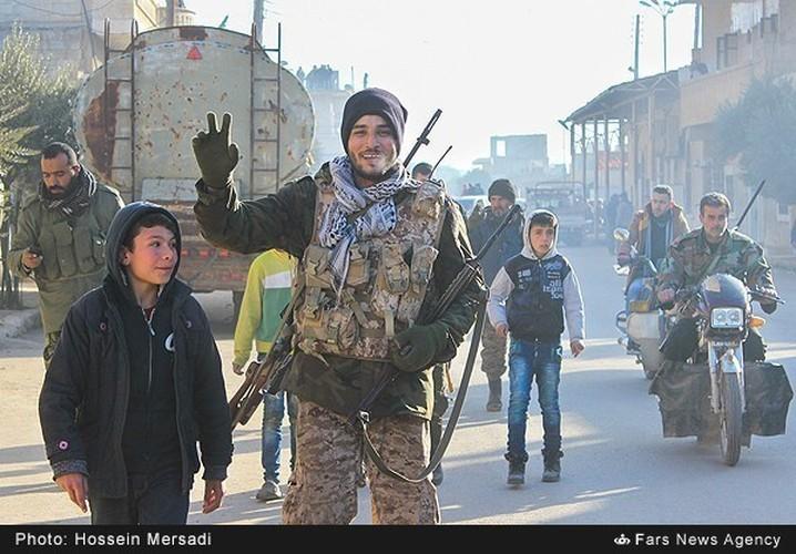 Chum anh quan dan Syria an mung chien thang Aleppo-Hinh-7
