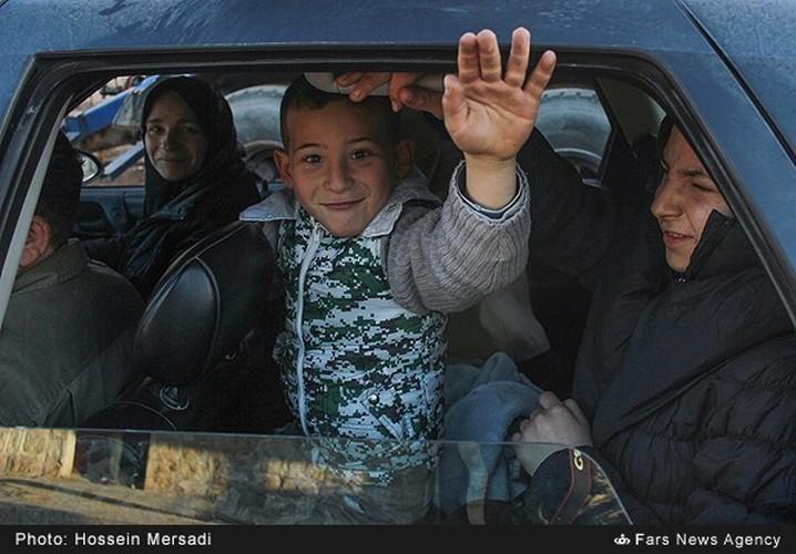 Chum anh quan dan Syria an mung chien thang Aleppo-Hinh-9