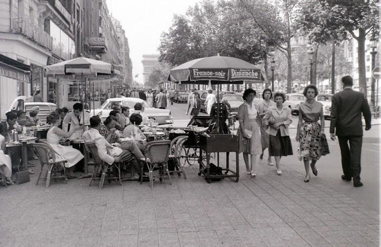 Cuoc song thuong nhat o thu do Paris nam 1955 qua anh-Hinh-3