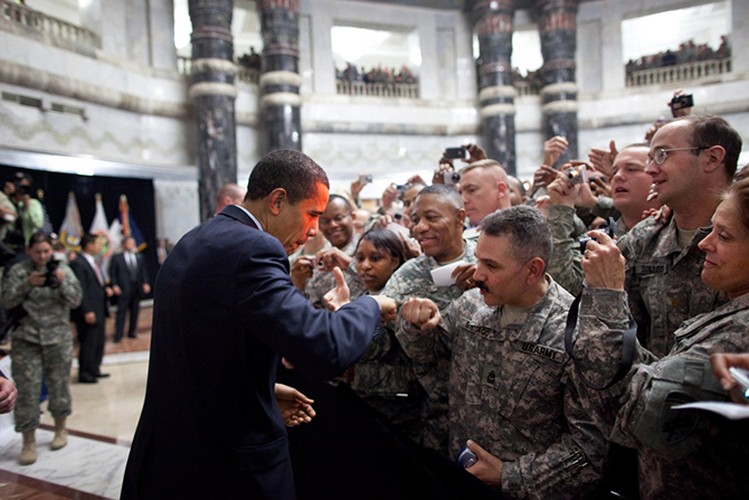 Tong thong Obama trong 100 ngay dau nham chuc-Hinh-15