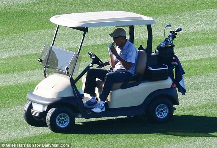 Anh: Cuu Tong thong Obama choi golf sau khi roi Nha Trang-Hinh-7