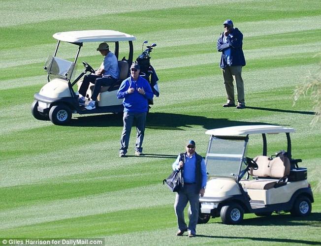 Anh: Cuu Tong thong Obama choi golf sau khi roi Nha Trang-Hinh-8