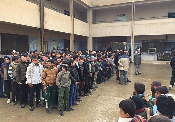 Anh: Hoc sinh Iraq no nuc di hoc o thanh pho Mosul-Hinh-12