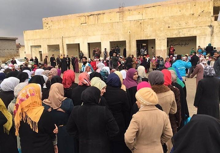 Anh: Hoc sinh Iraq no nuc di hoc o thanh pho Mosul-Hinh-3