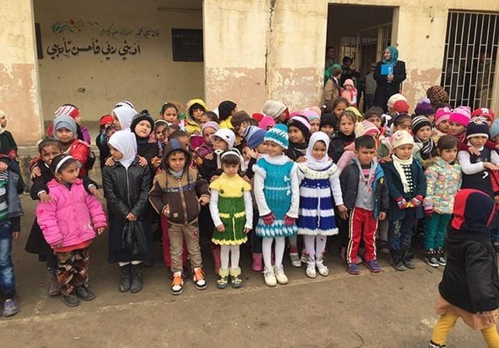 Anh: Hoc sinh Iraq no nuc di hoc o thanh pho Mosul-Hinh-5