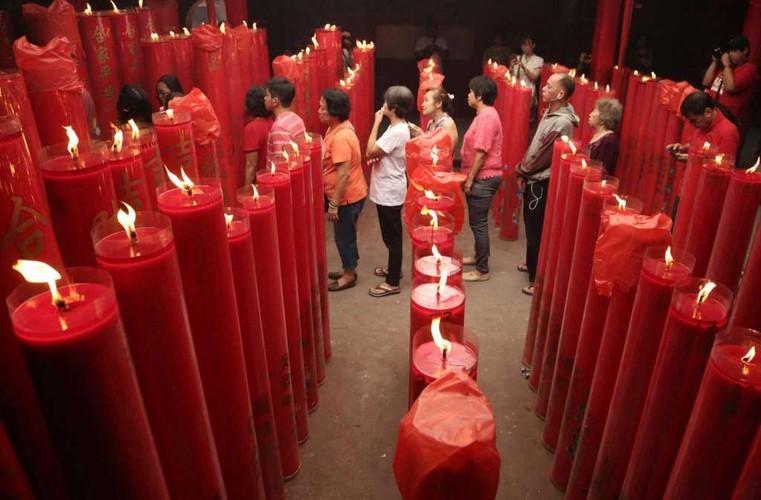 Anh: Nguoi dan Chau A di chua Mung 1 Tet Dinh Dau 2017-Hinh-9