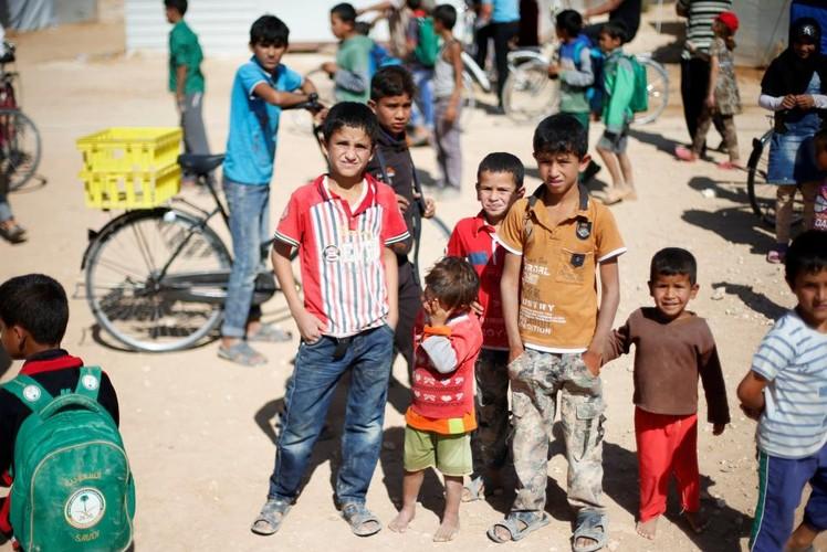 Canh ngo tre ti nan Syria noi dat khach que nguoi-Hinh-12