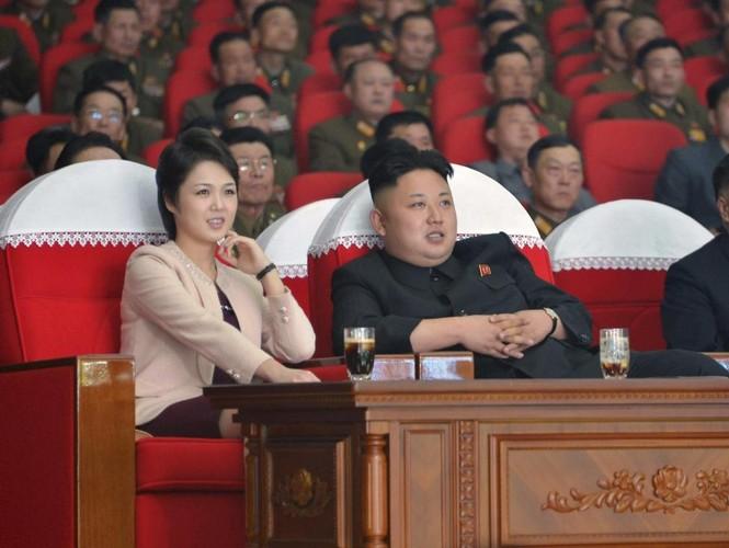 Chum anh Chu tich Kim Il-sung va con chau day quyen luc-Hinh-9