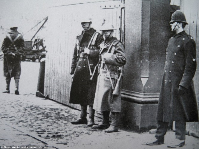 Chum anh tinh hinh bat on o Anh nam 1919-Hinh-5