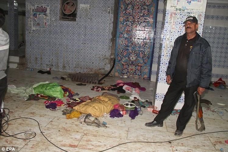 Hien truong danh bom o Pakistan, 250 nguoi thuong vong-Hinh-3