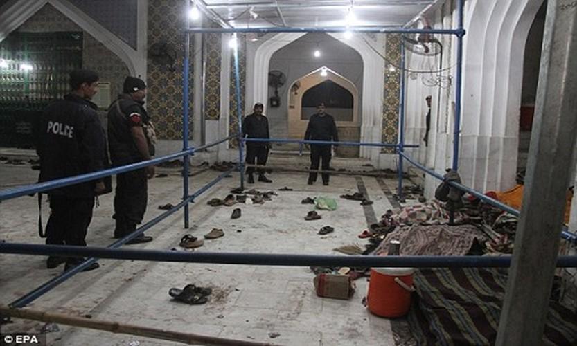 Hien truong danh bom o Pakistan, 250 nguoi thuong vong