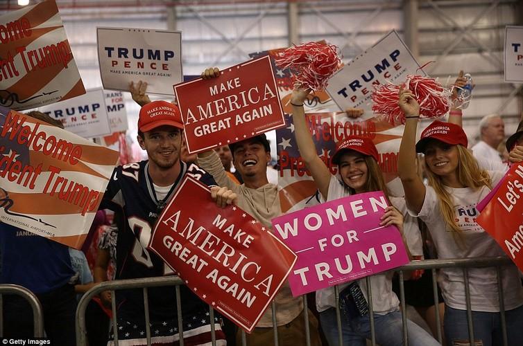 Anh: Tong thong Trump phat bieu truoc hang nghin nguoi o Florida-Hinh-11
