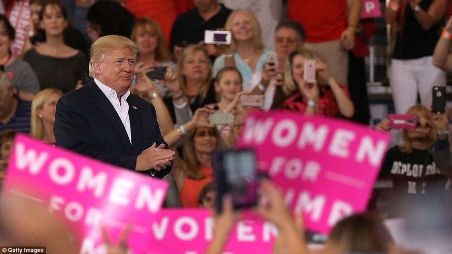 Anh: Tong thong Trump phat bieu truoc hang nghin nguoi o Florida-Hinh-12