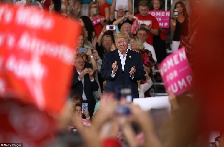 Anh: Tong thong Trump phat bieu truoc hang nghin nguoi o Florida-Hinh-2