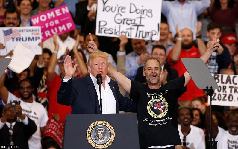 Anh: Tong thong Trump phat bieu truoc hang nghin nguoi o Florida-Hinh-5