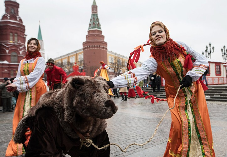 Tung bung le hoi truyen thong Maslenitsa o Nga