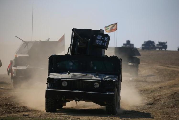Anh: Luc luong Iraq giai phong san bay Mosul khoi IS-Hinh-8