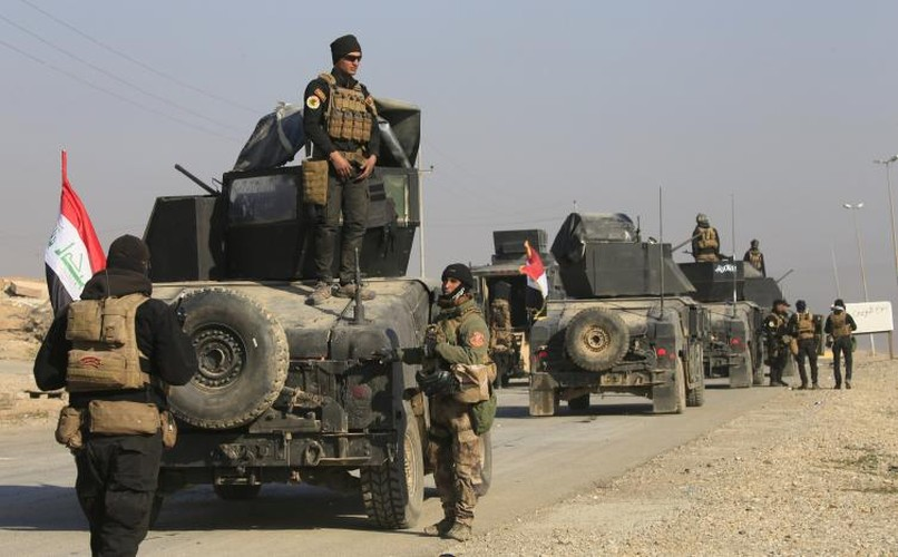 Anh: Luc luong Iraq giai phong san bay Mosul khoi IS-Hinh-9