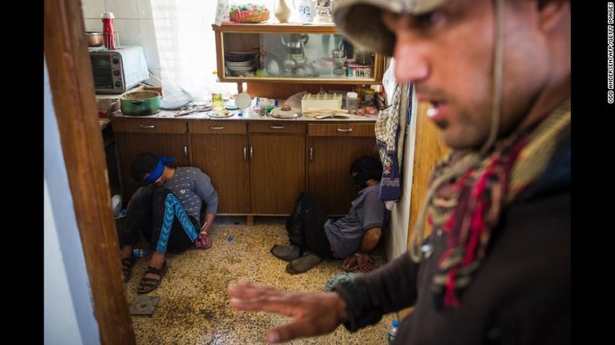 Chien dich giai phong Mosul: Mau lua va chua ket thuc (2)-Hinh-12