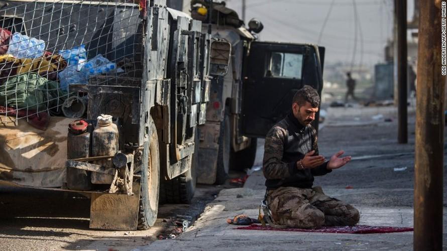 Chien dich giai phong Mosul: Mau lua va chua ket thuc (2)-Hinh-15