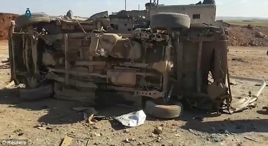 Hien truong kinh hoang vu danh bom xe lieu chet gan Al-Bab-Hinh-2