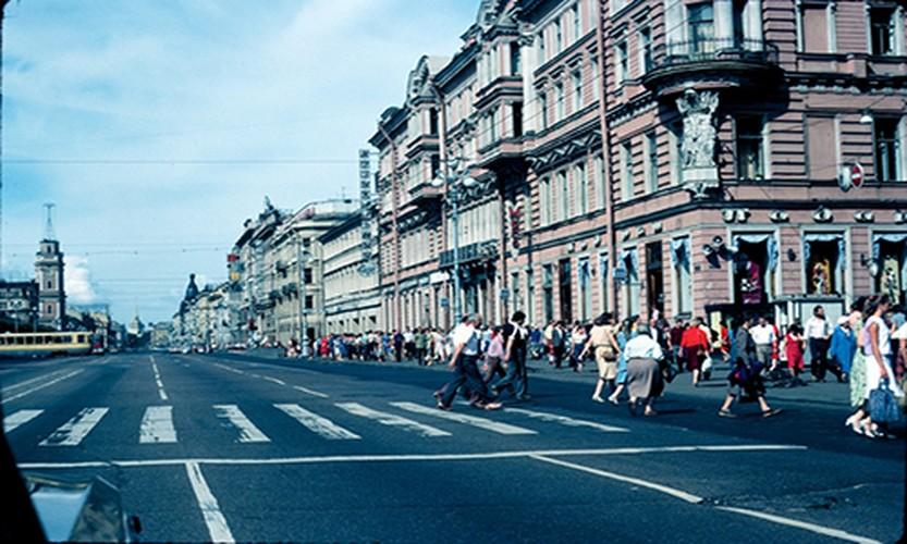 Anh hiem cuoc song o thanh pho Leningrad nam 1984-Hinh-4