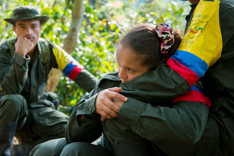 Chum anh moi nhat ve cac chien binh FARC thoi binh-Hinh-6