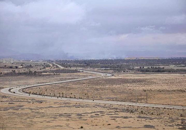 Ben trong thanh pho co Palmyra moi giai phong khoi IS-Hinh-11