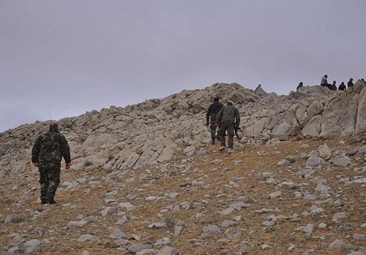 Ben trong thanh pho co Palmyra moi giai phong khoi IS-Hinh-4