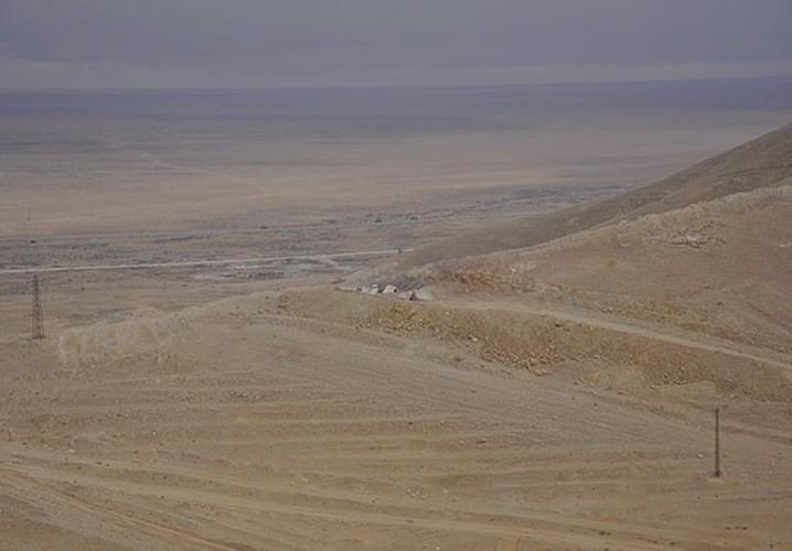 Ben trong thanh pho co Palmyra moi giai phong khoi IS