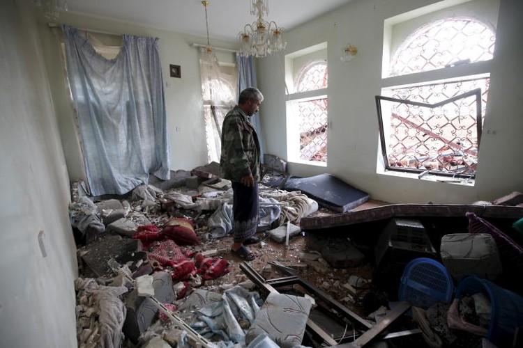 Toan canh lien quan A-rap khong kich quan noi day Houthi o Yemen-Hinh-12
