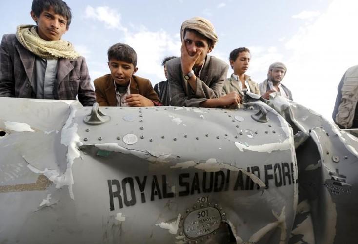Toan canh lien quan A-rap khong kich quan noi day Houthi o Yemen-Hinh-7