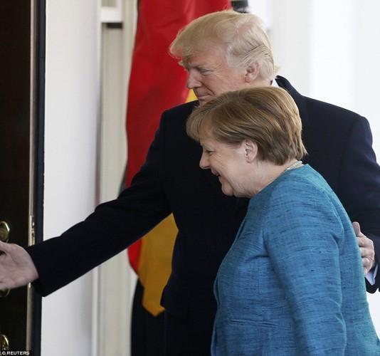 Anh: Tong thong Trump tiep Thu tuong Duc Merkel tai Nha Trang