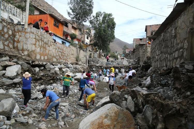 Canh tuong lo dat va lu lut kinh hoang o Peru-Hinh-11