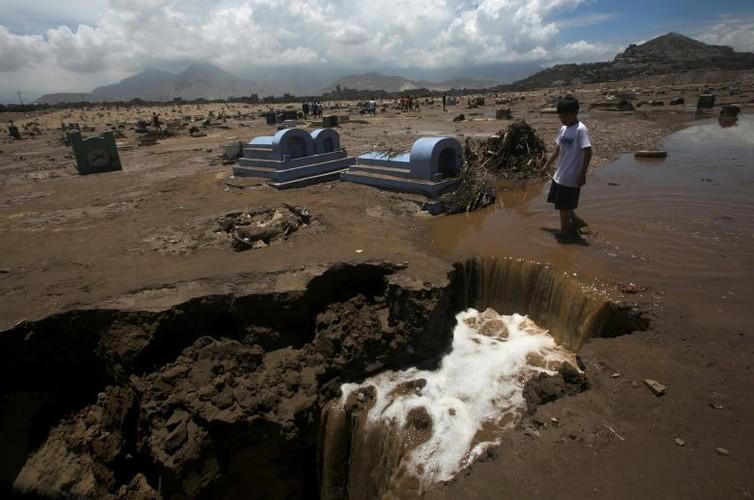 Canh tuong lo dat va lu lut kinh hoang o Peru-Hinh-5