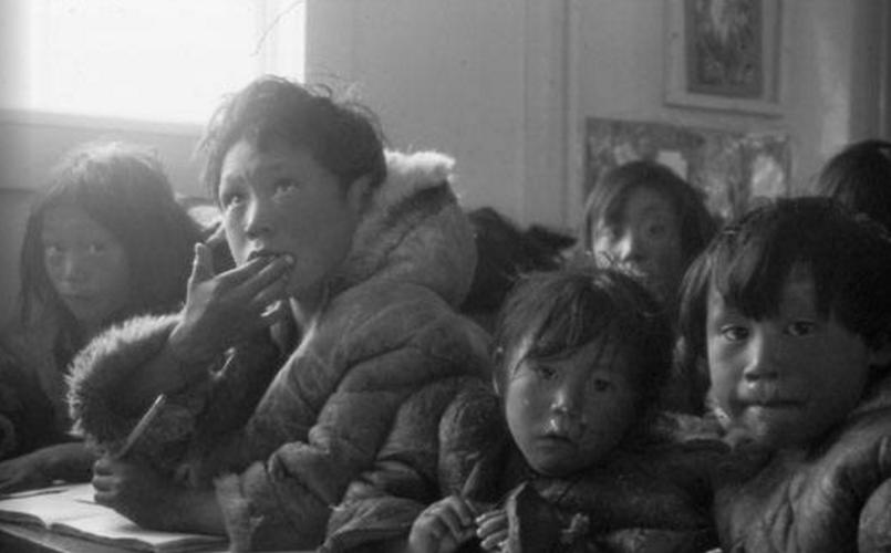 Cuoc song cua tho dan Inuit o Canada 100 nam qua-Hinh-14