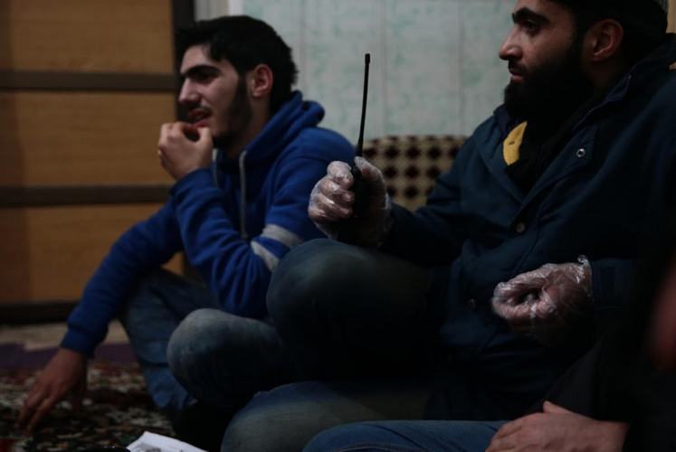 Canh tuong dau long trong benh vien da chien o Douma-Hinh-11