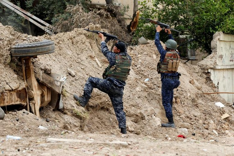 Anh: Canh sat Iraq giao tranh ac liet voi IS o Mosul-Hinh-10