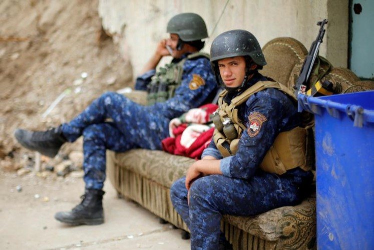 Anh: Canh sat Iraq giao tranh ac liet voi IS o Mosul-Hinh-14