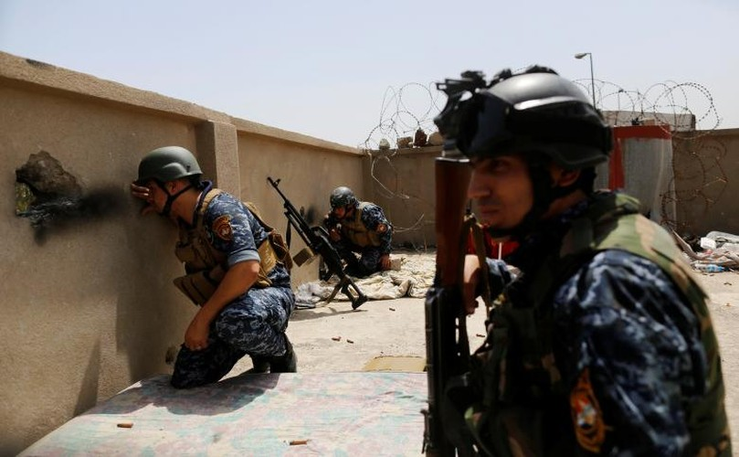 Anh: Canh sat Iraq giao tranh ac liet voi IS o Mosul-Hinh-5