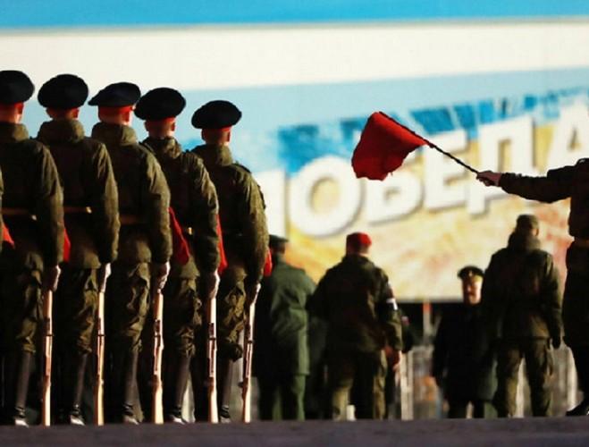 Nga ram ro duyet binh mung Ngay Chien thang tai Quang truong Do-Hinh-8